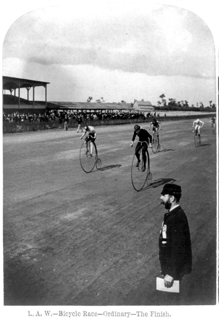 High wheel bicycle race in 1890 - Penny farthing bikes (2)