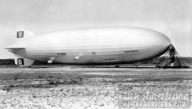 Hindenburg_at_lakehurst