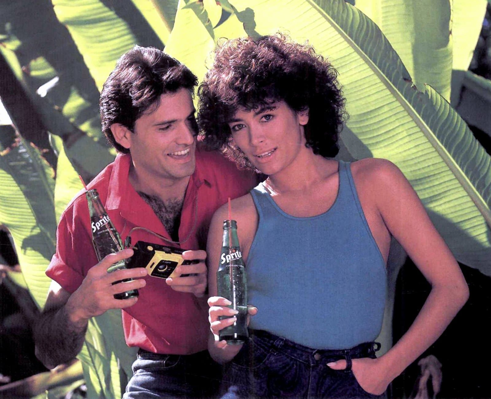 Hip exercising people drinking Sprite soda (1985)