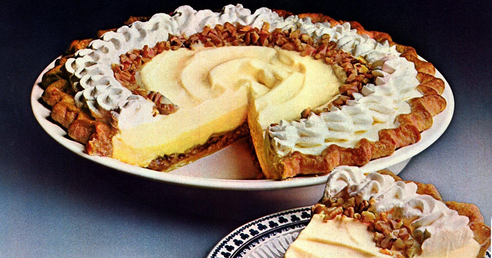 Holiday praline delight pie - Vintage recipe (1970s)