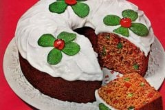 Holiday tomato soup fruitcake