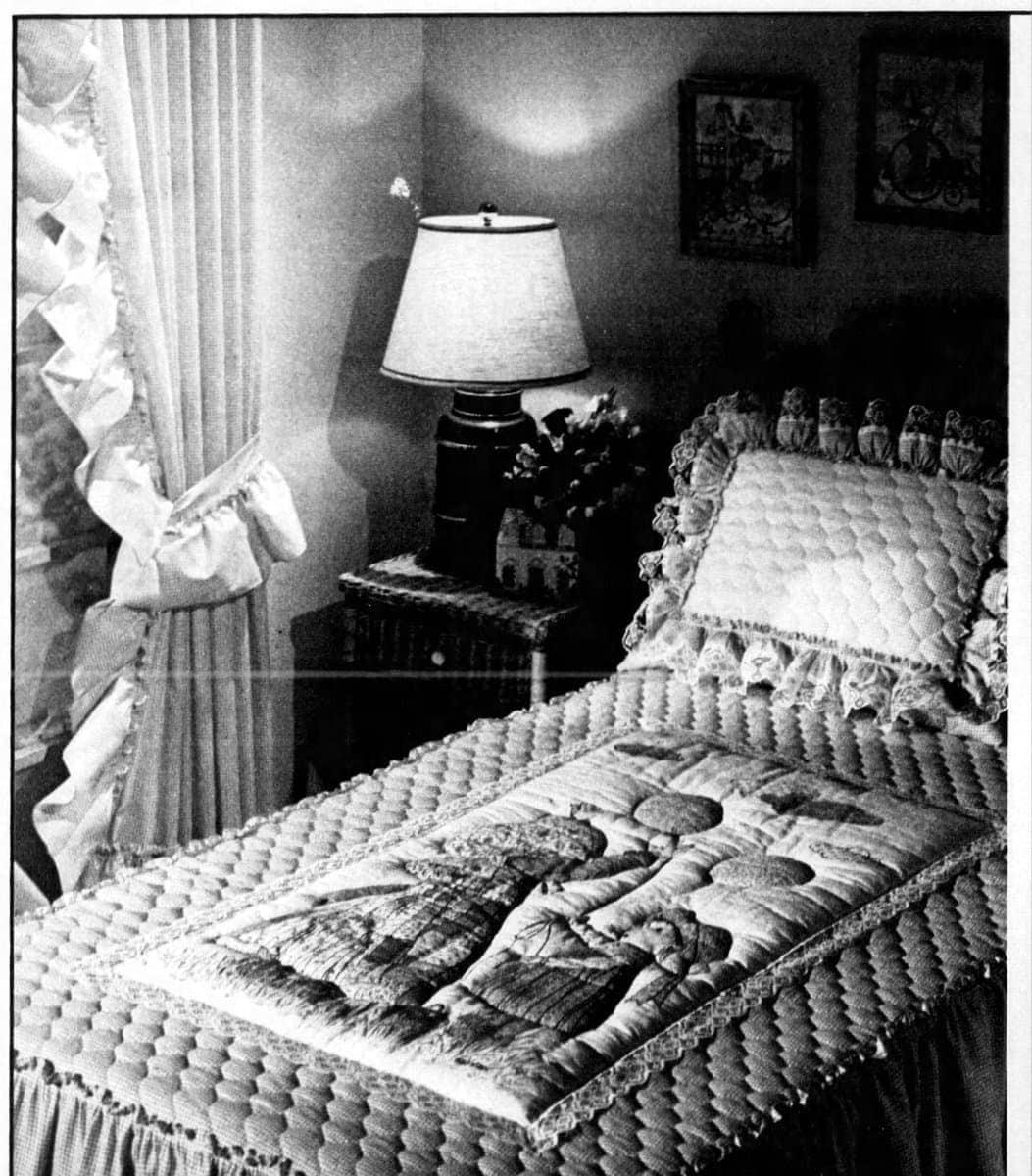Holly Hobbie bedding (1981)