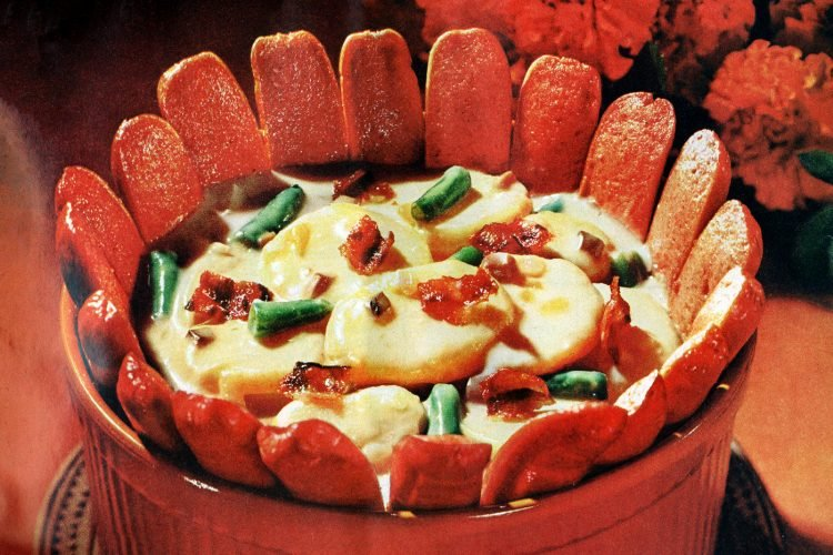 Hot dog crown casserole retro recipe (1965)