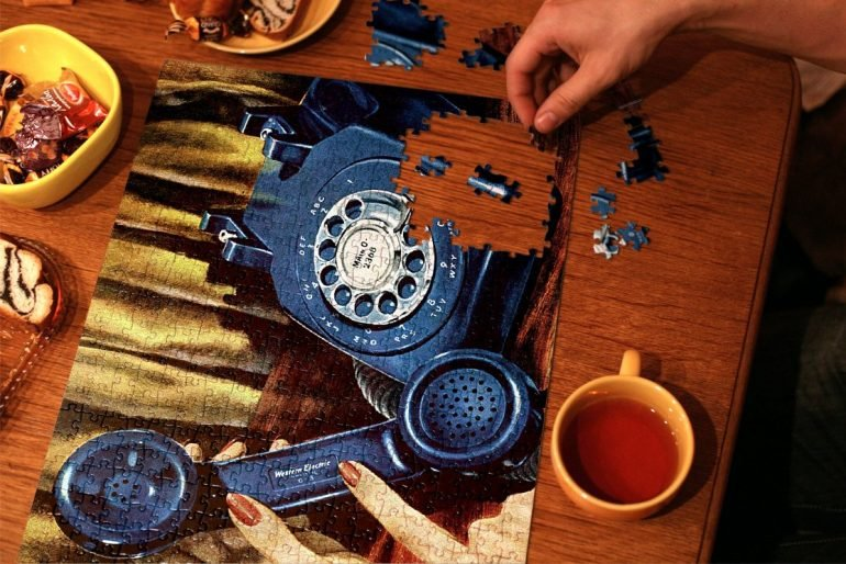How picture jigsaw puzzles first got popular, and are still favorites today