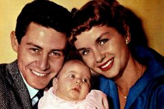 How the world welcomed baby Carrie Fisher (1956)