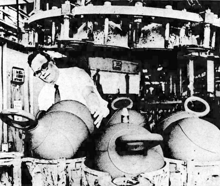 How they made vintage Hoppity Hop toys 1968 (1)