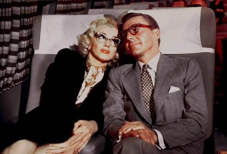 How to Marry a Millionaire movie Marilyn Monroe with glasses and David Wayne - 1953