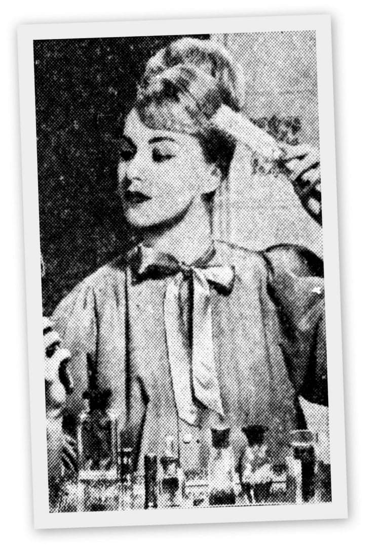 How to make a '60s beehive hairstyle - Third step
