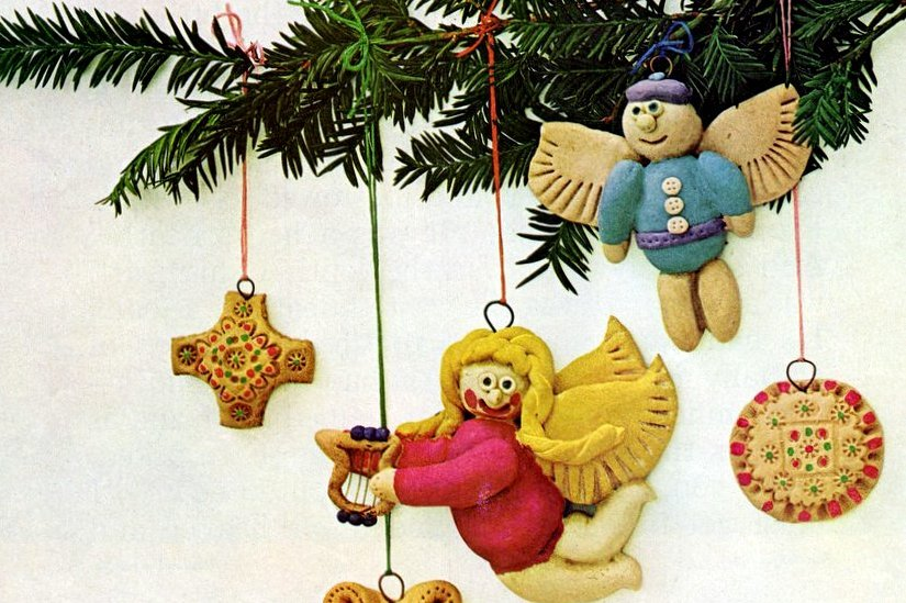 How to decorate the Christmas tree with salt dough ornaments - Tips from 1964