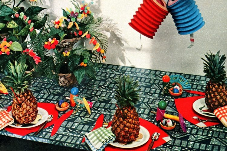 How to have a retro Hawaiian luau party (2)