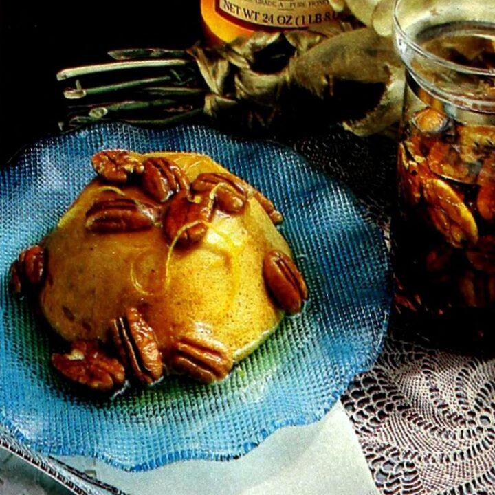 How to make Pumpkin pudding with honey pecan sauce (1989)
