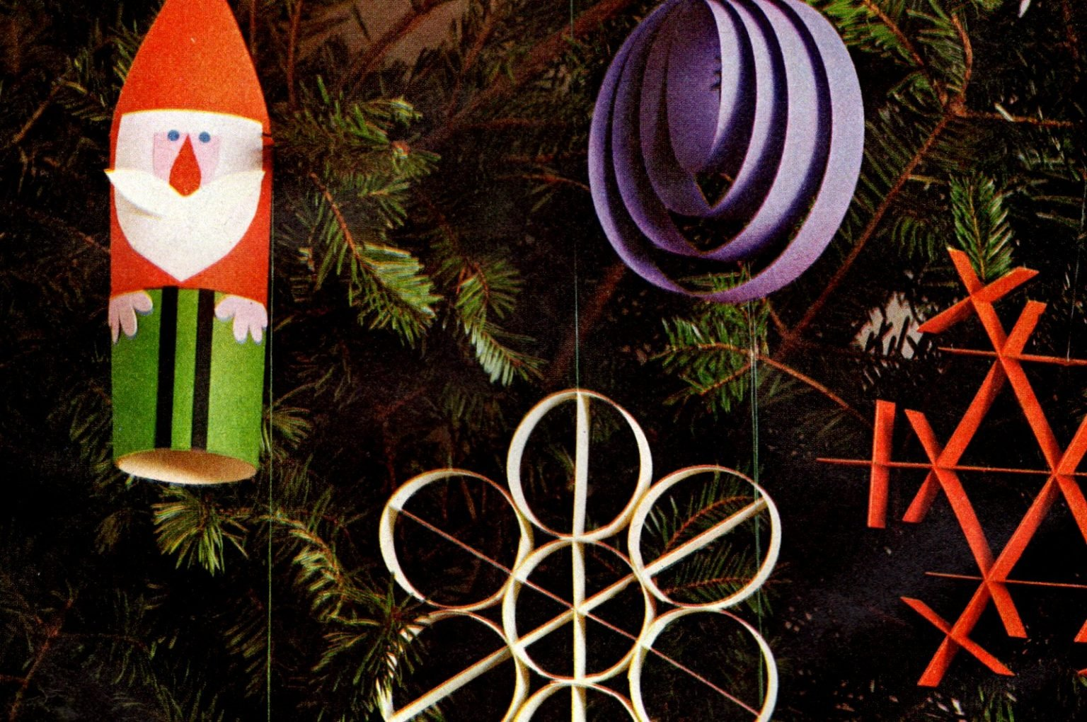 How to make paper Christmas ornaments, the old-fashioned way (1960)