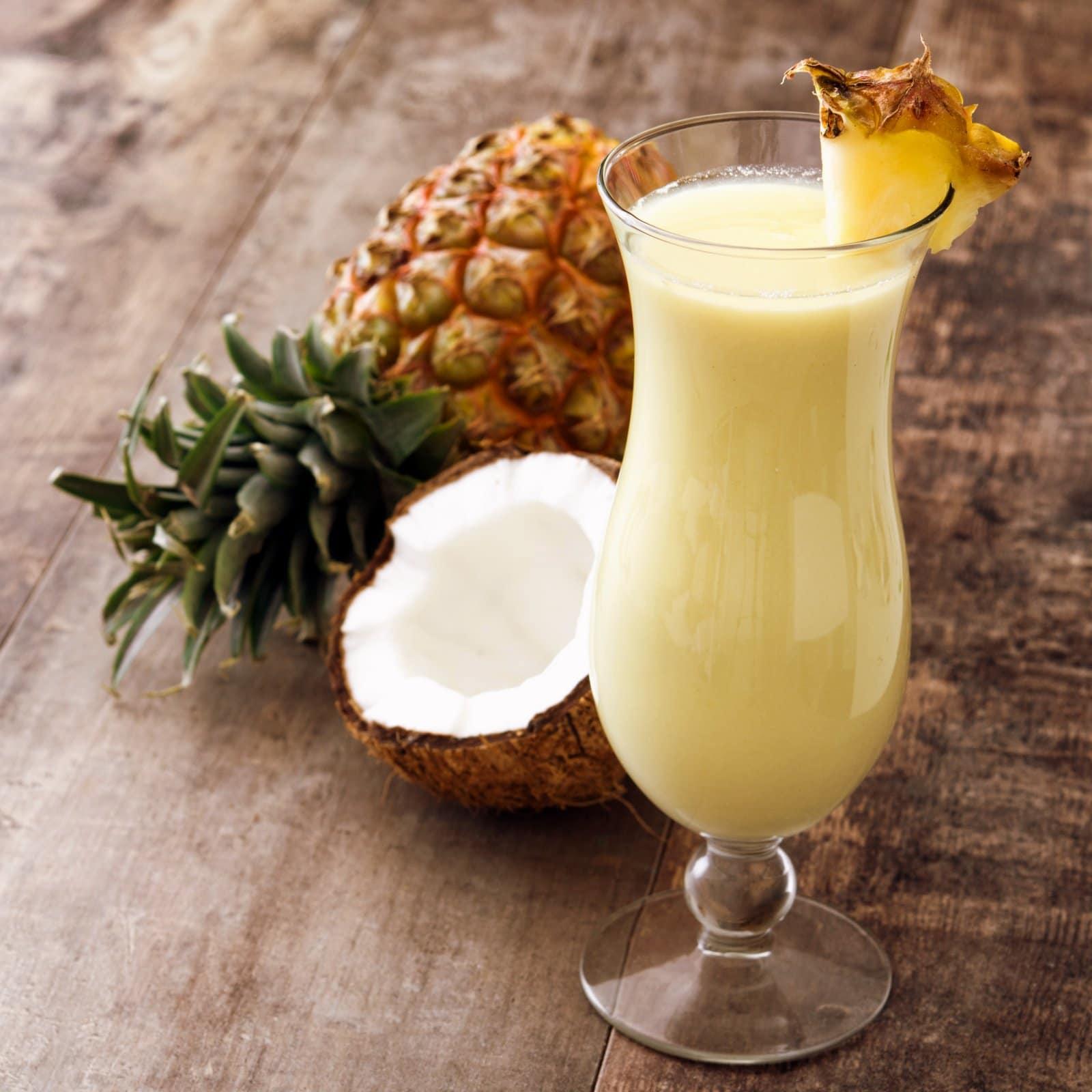 How to make the perfect Piña Colada cocktail (1977)