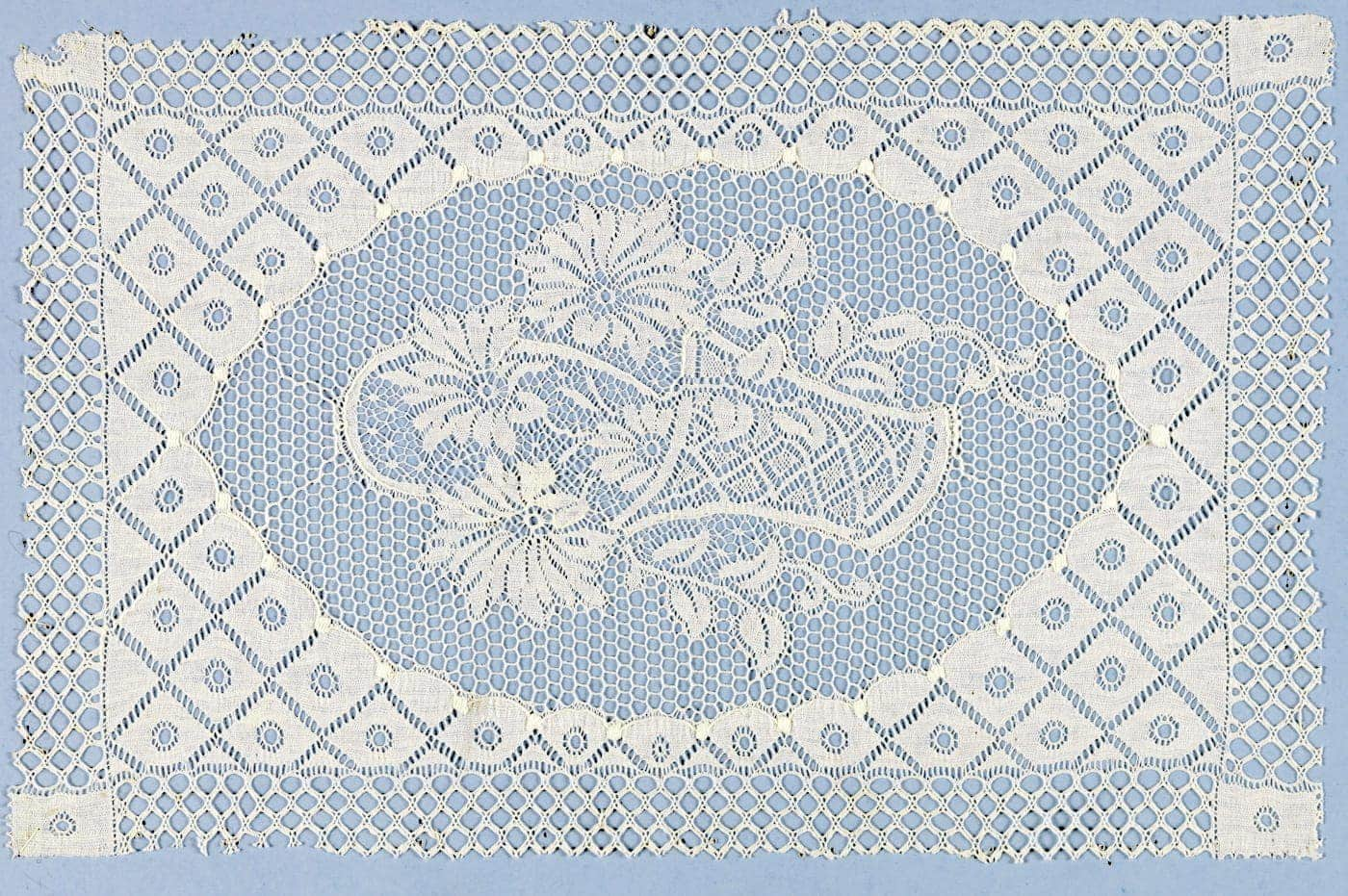 How to take care of lace, the old-fashioned way