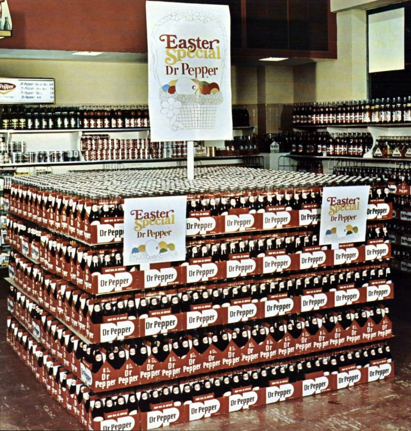 Huge Dr Pepper supermarket display in 1969