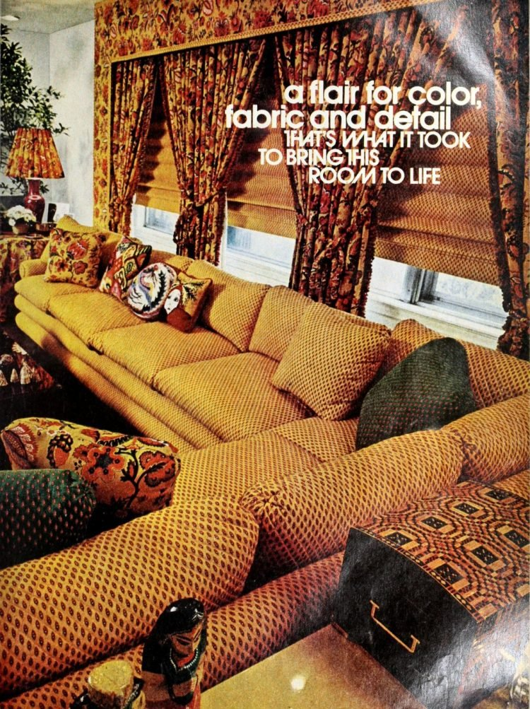 Huge retro patterned sofa from 1974