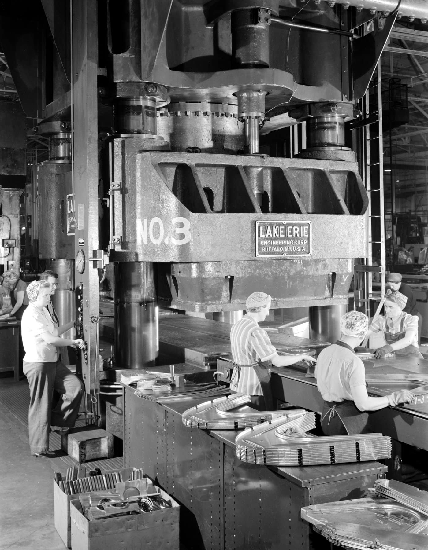Hydraulic press at Boeing plant in Seattle (1940s)