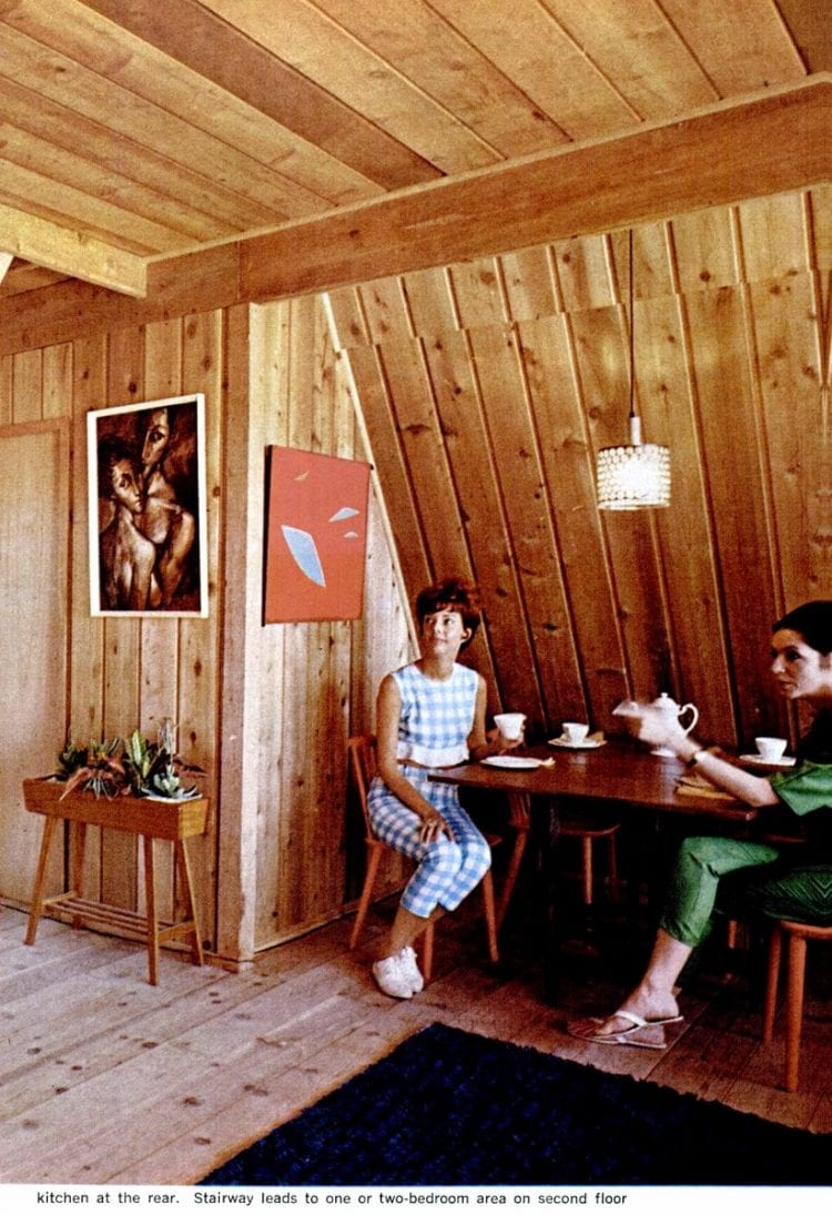 Inside an A-frame house from the 60s (1)