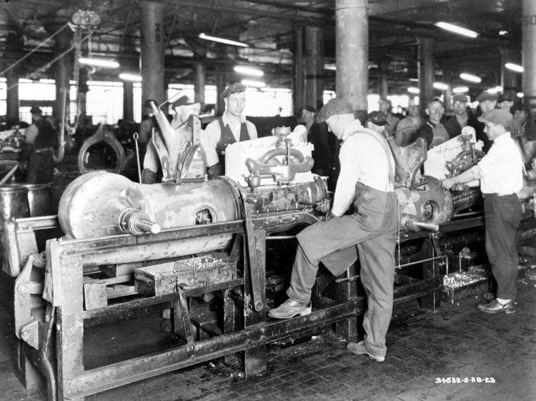 Installing a motor 1923