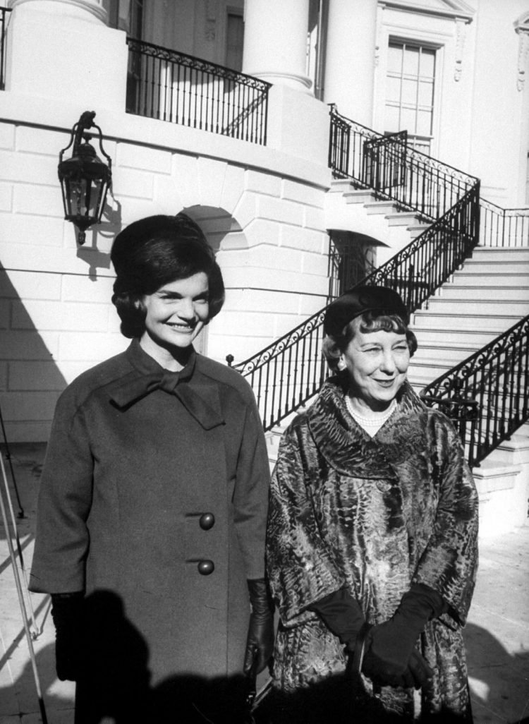 Jackie and Mamie at the White House