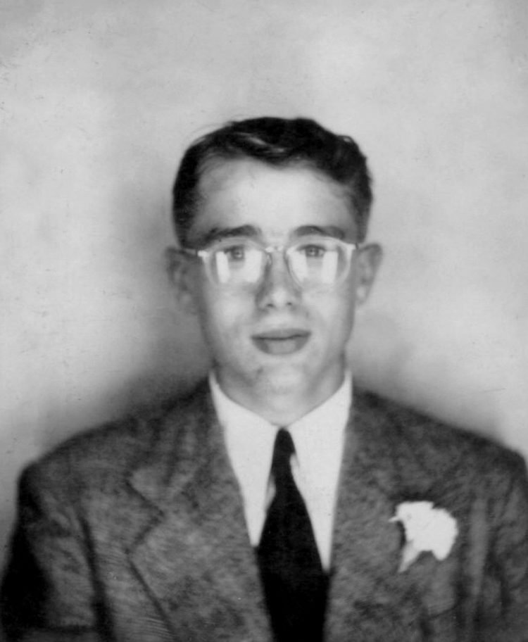 James Dean - Young formal portrait before he was famous