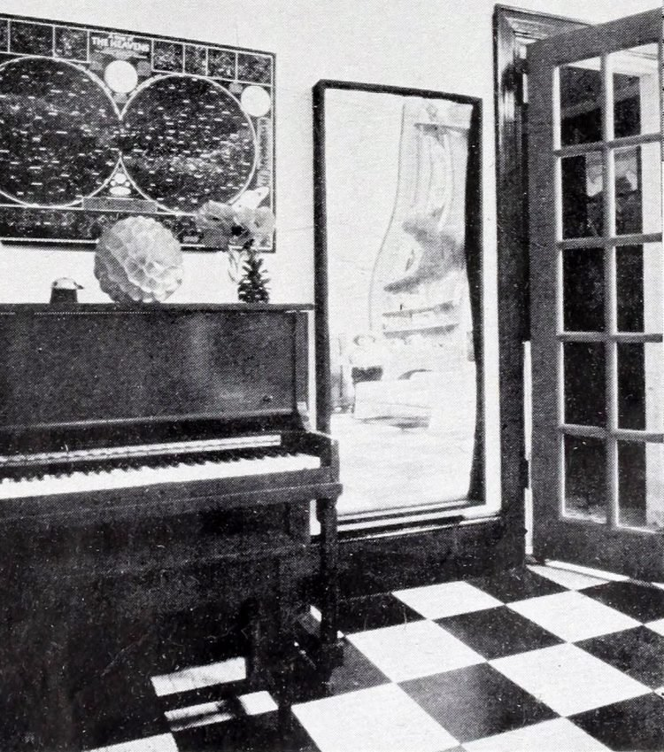 Jerry Orbach's old apartment in the 1970s (3)
