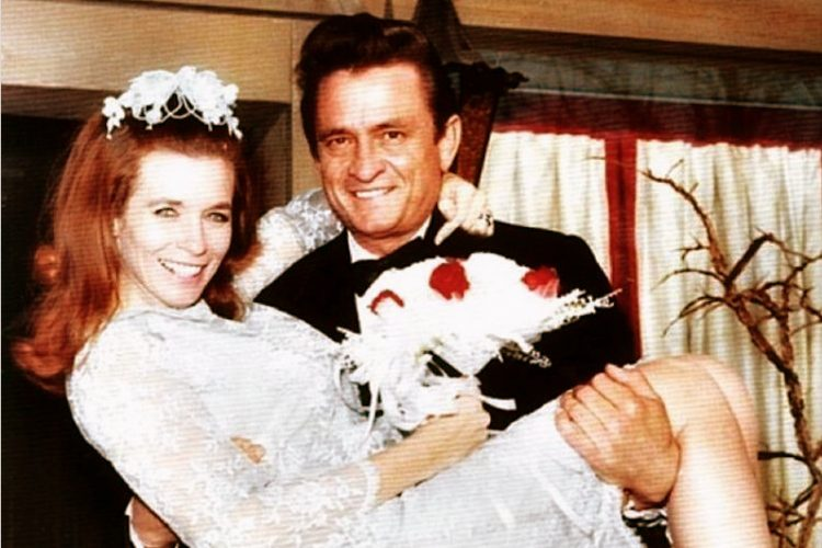 Johnny Cash & June Carter get married (1968)