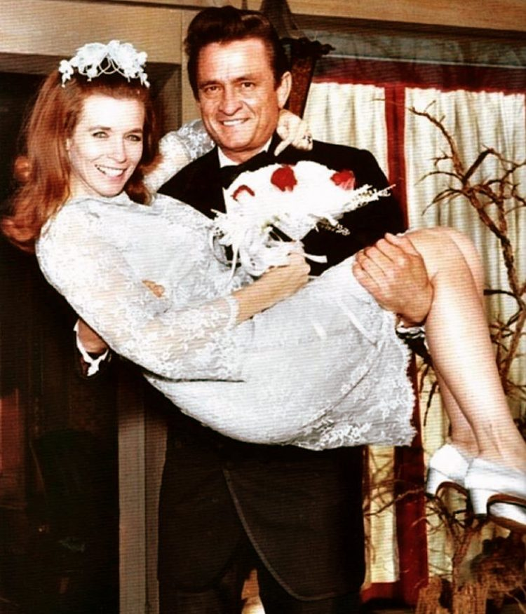 Johnny Cash and June Carter get married (1968)