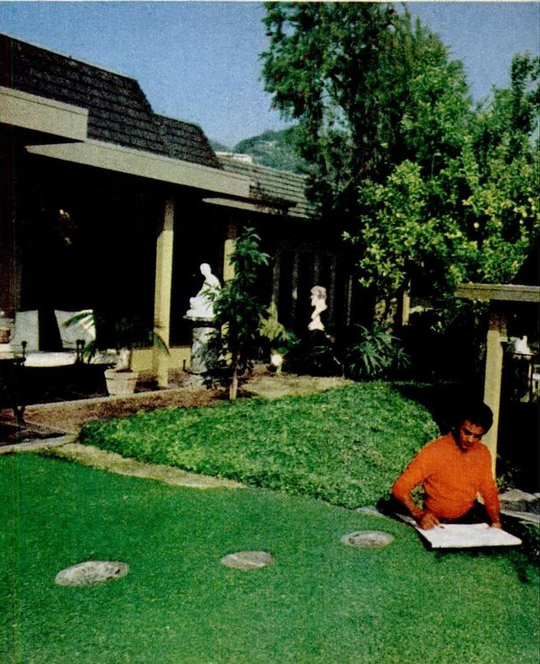 Johnny Mathis' Hollywood home in the 1970s (6)