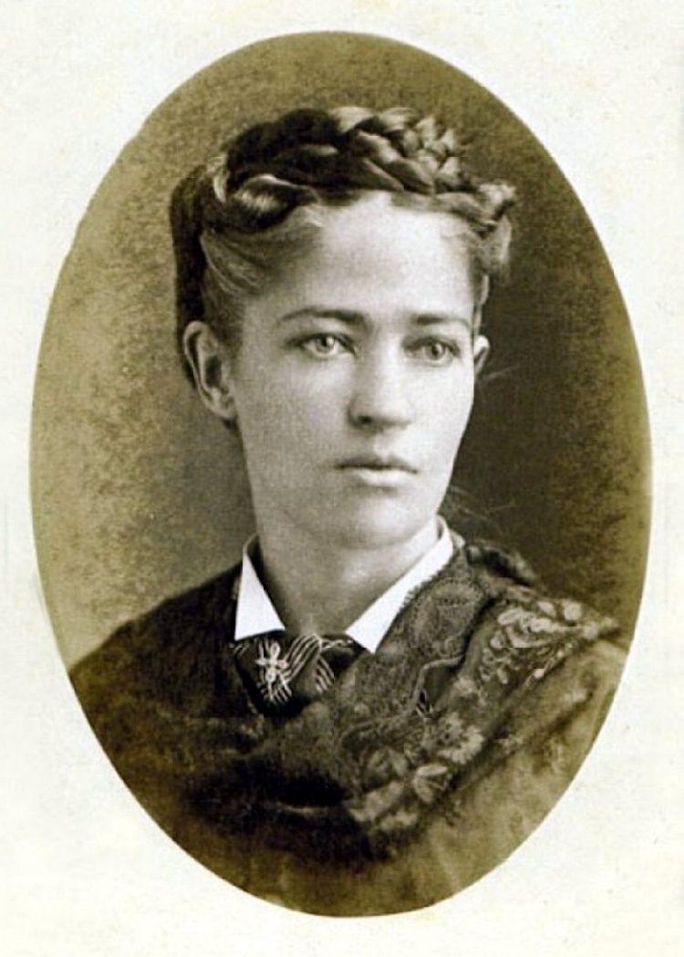 Josephine Garis Cochrane - Dishwasher inventor