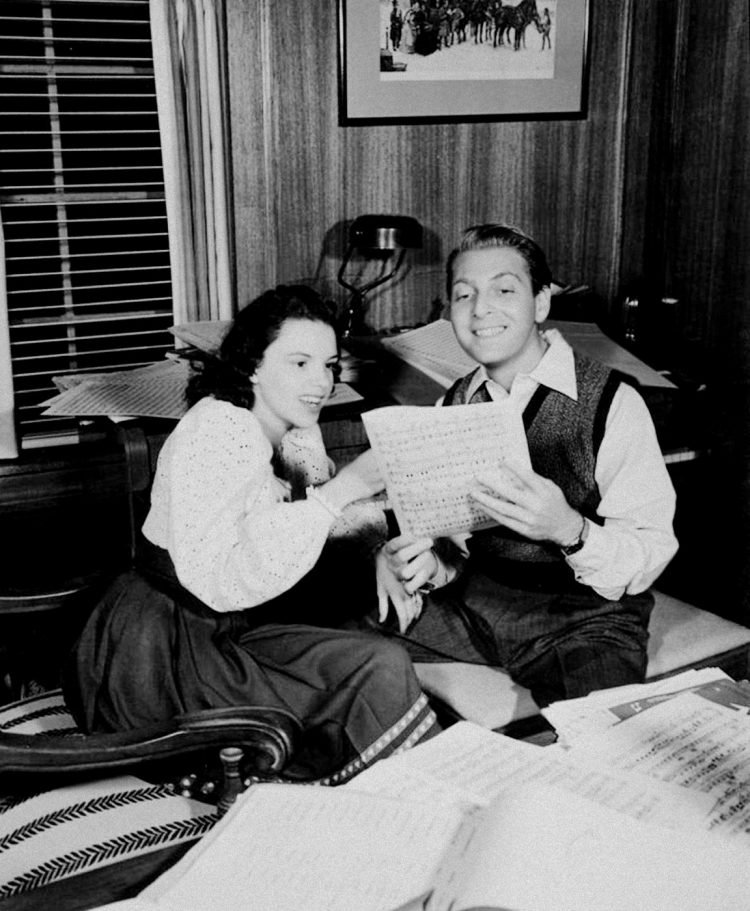 Judy Garland and David Rose with music at home -1941