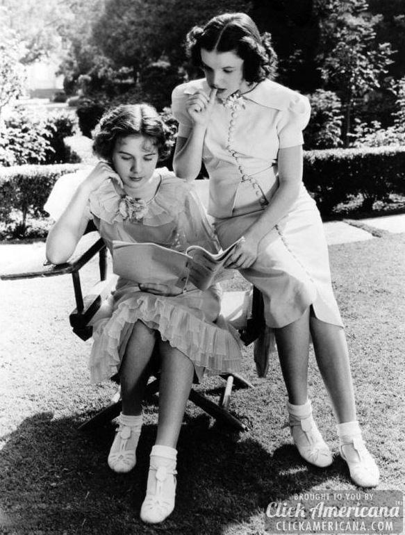 Judy Garland and Deanna Durbin 2