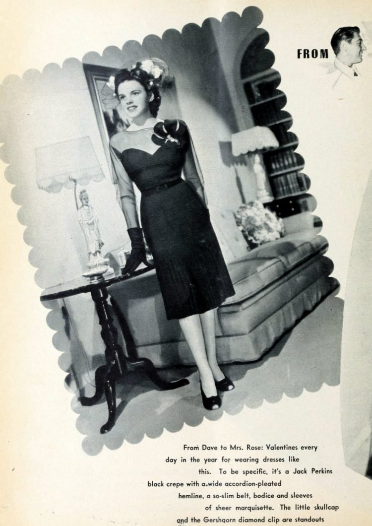 Judy Garland at home in 1942 (4)
