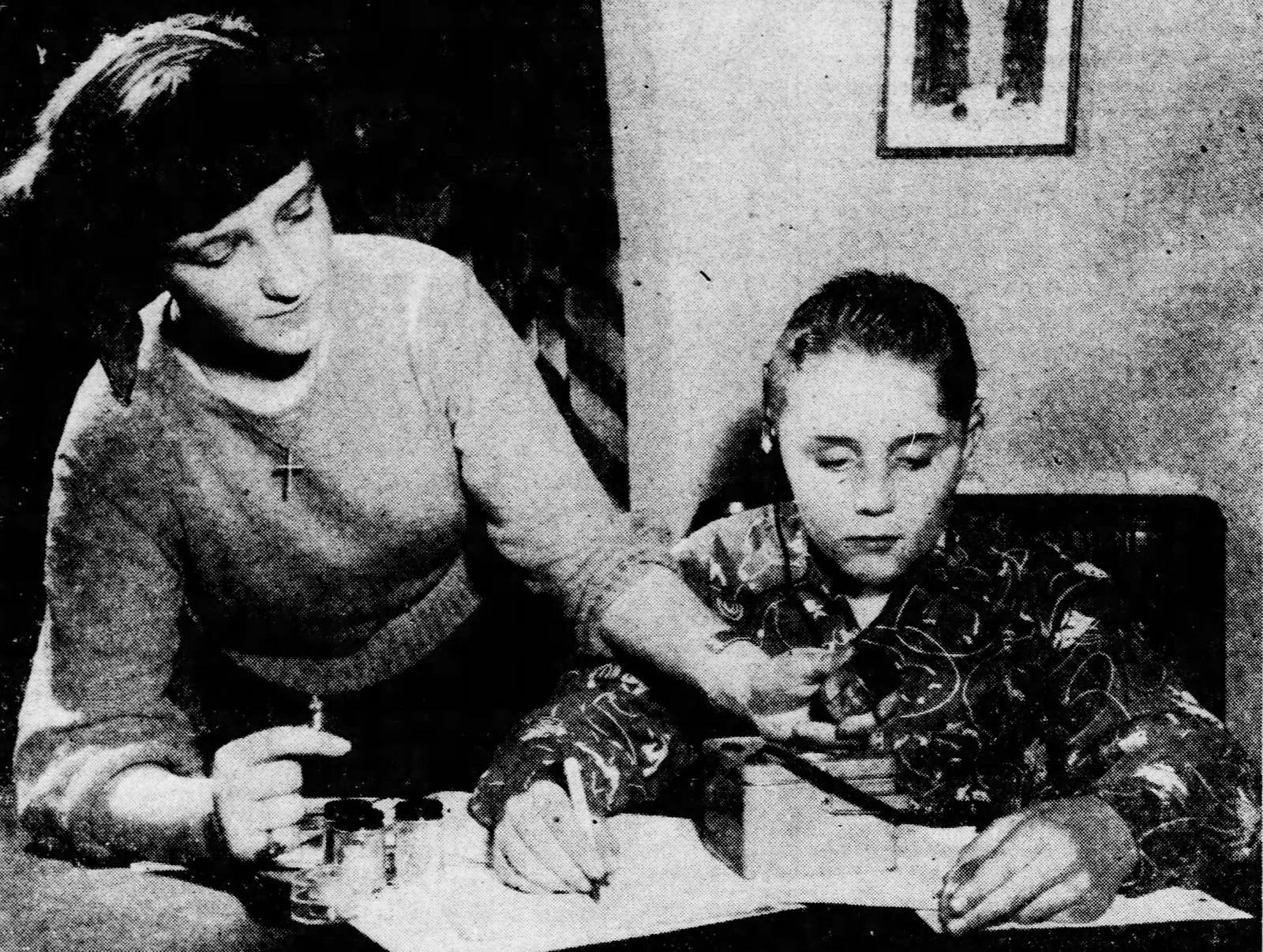 Kids in 1950 with a Gilbert U-238 Atomic Energy Lab kit at home (1)