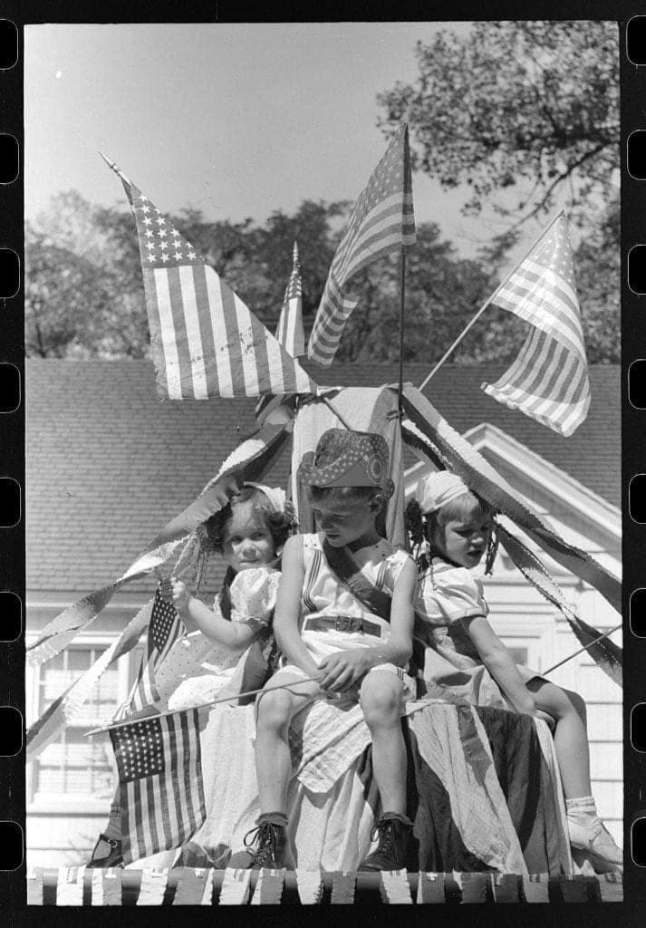 Kids on float in Fourth of July parade 1941