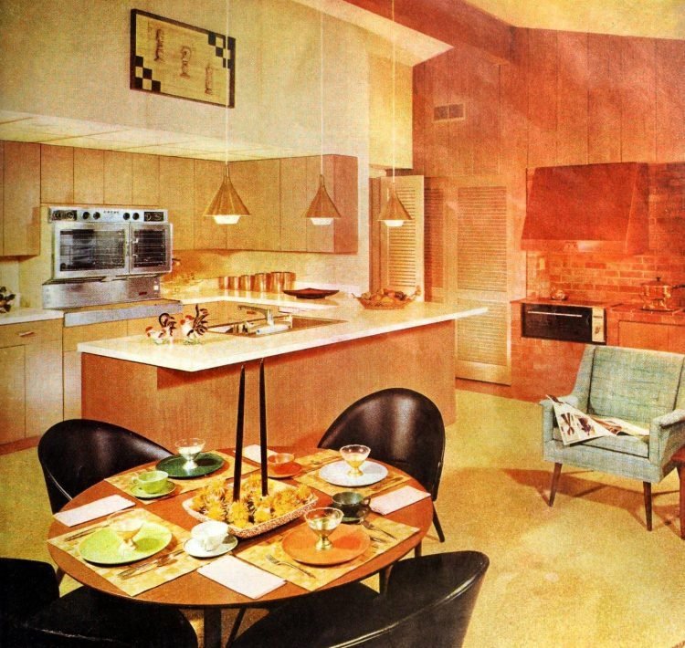 Kitchen and eating area - Vintage sixties Scholz Mark 60 house