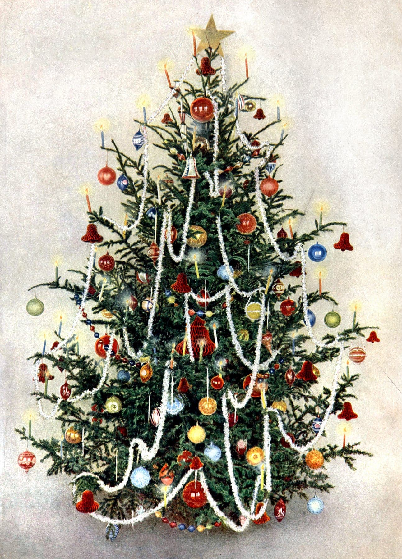 Old,fashioned Christmas tree \u0026 classic decorations for the