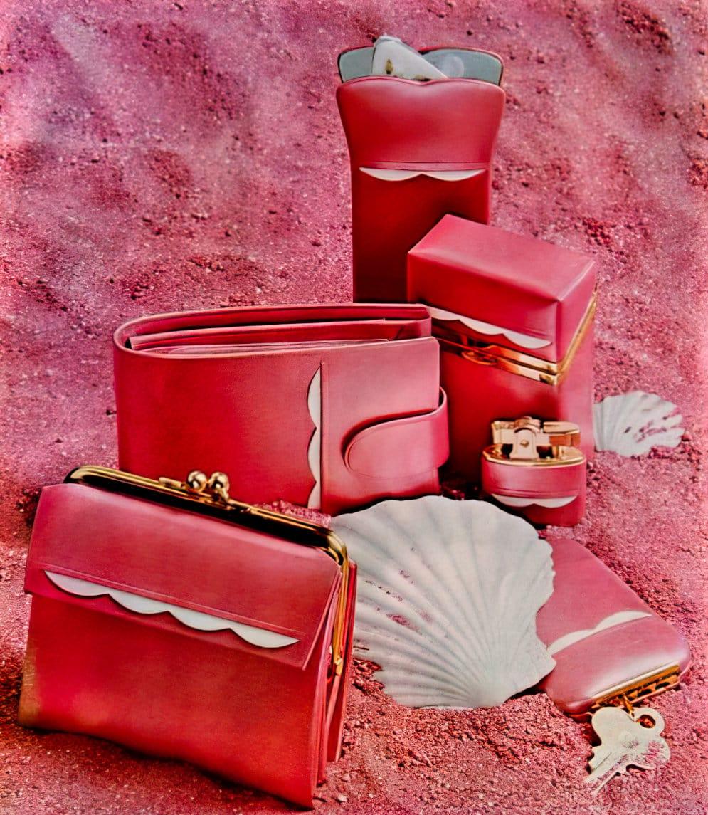 Lady Buxton scallop wallet set (1962)
