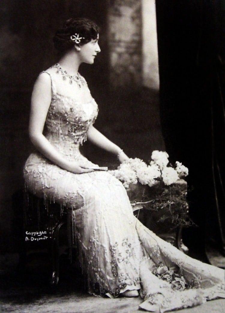 soprano and actress Lina Cavalieri