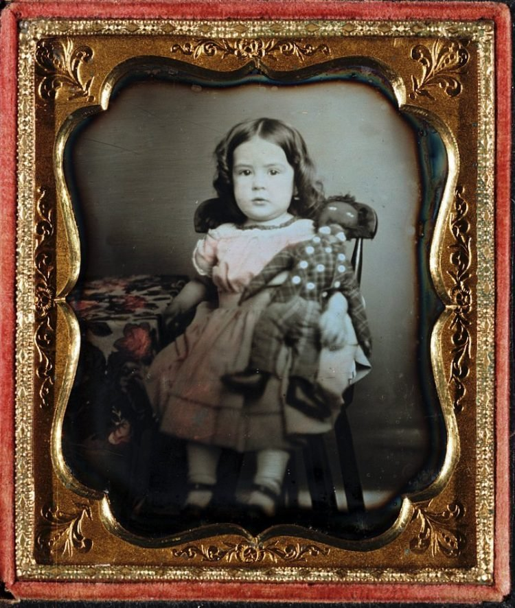 Little girl portrait photography from 1852