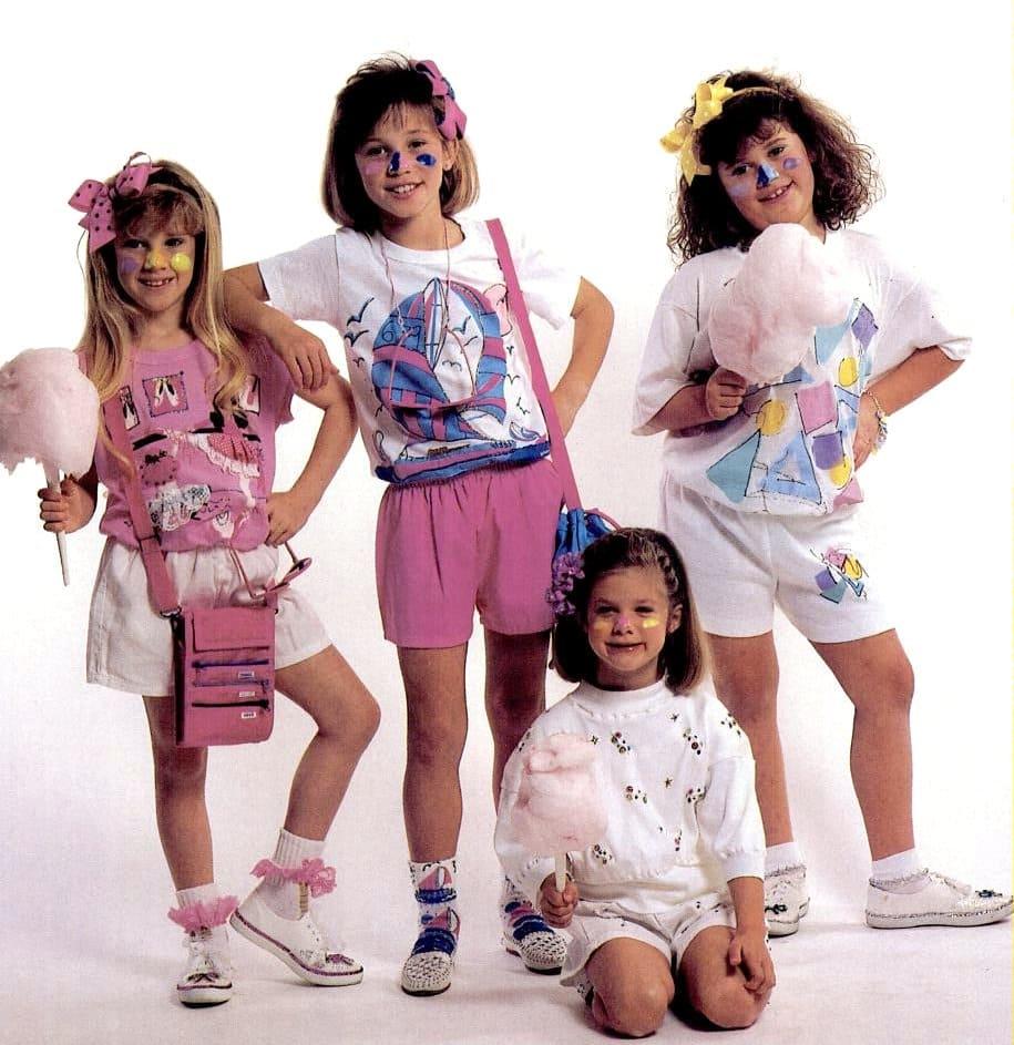 Little kids wearing cool retro socks (1988)
