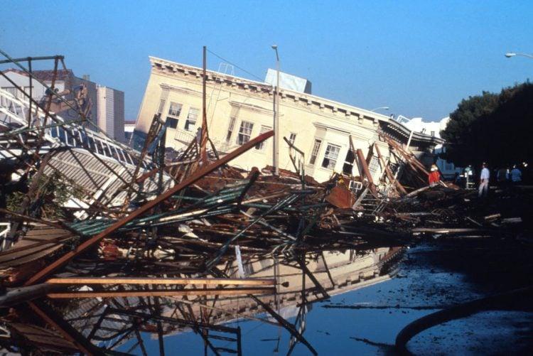 Loma Prieta SF Divisidero Collapse Credit C.E. Meyer, USGS