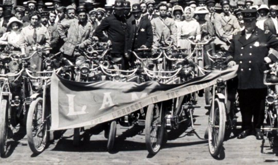 Vintage Los Angeles Motorcycle Club meetup back in 1909 (2)