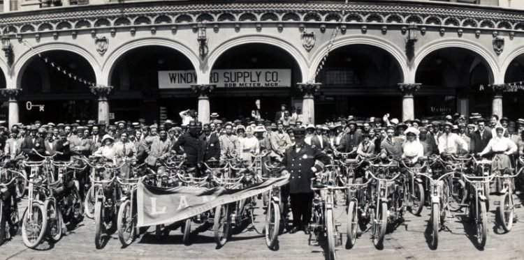 Los Angeles Motorcycle Club meetup back in 1909 (3)
