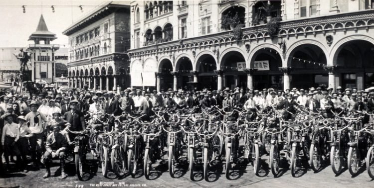 Los Angeles Motorcycle Club meetup back in 1909 (4)