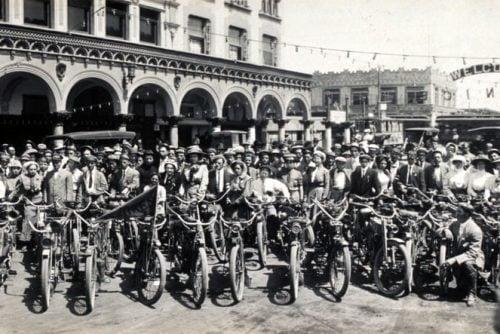 Los Angeles Motorcycle Club meetup back in 1909 (5)