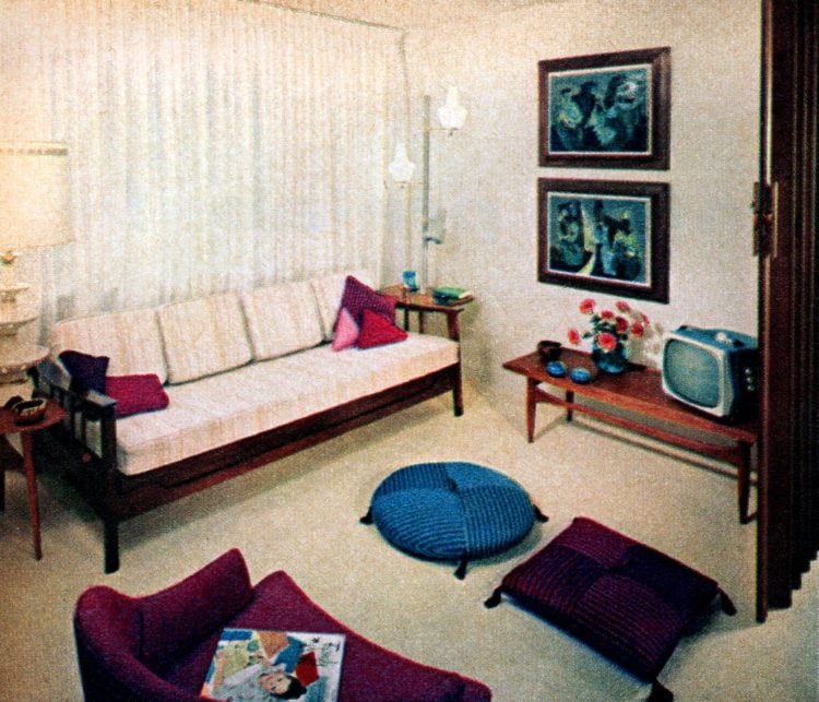 Lounge in 50s prefab home built in 1958