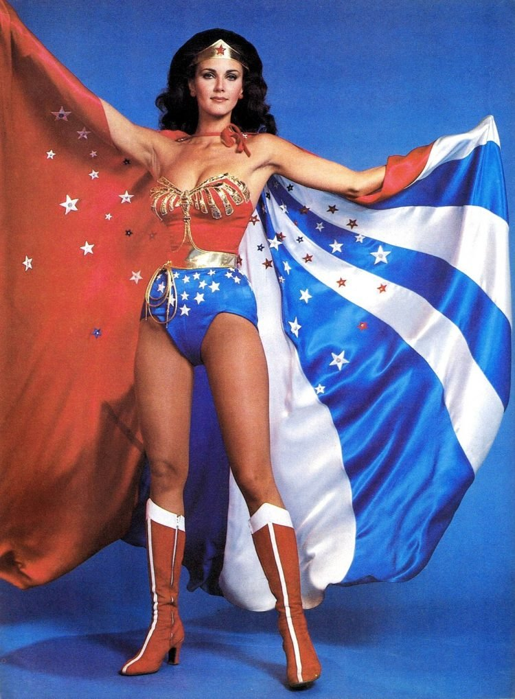 Lynda Carter as Wonder Woman (2)