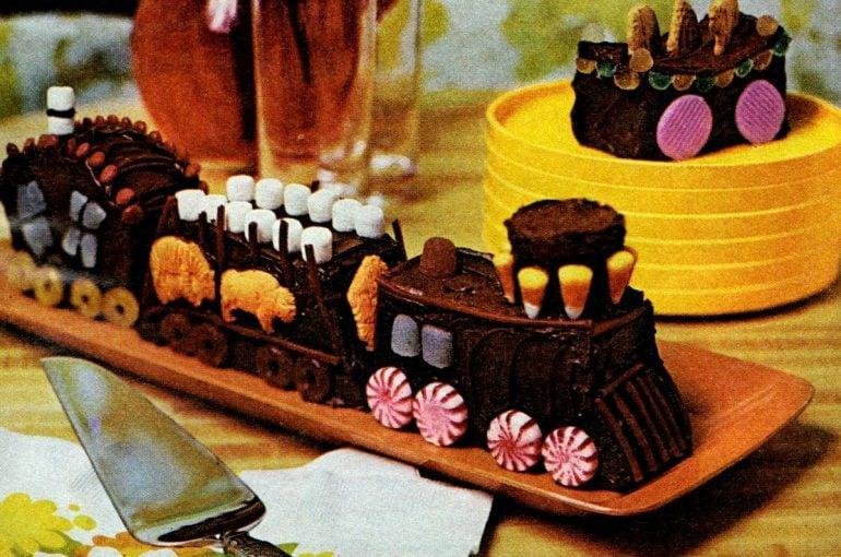Make a circus train cake (1972)