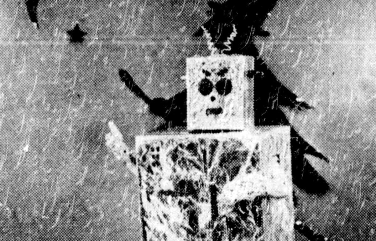 Make a robot Halloween costume 1957